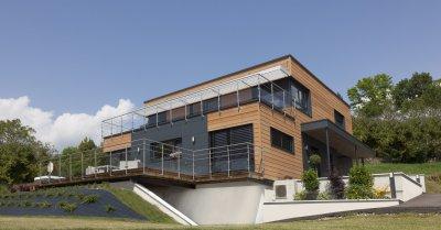 Grande maison en terrasse , Grilly